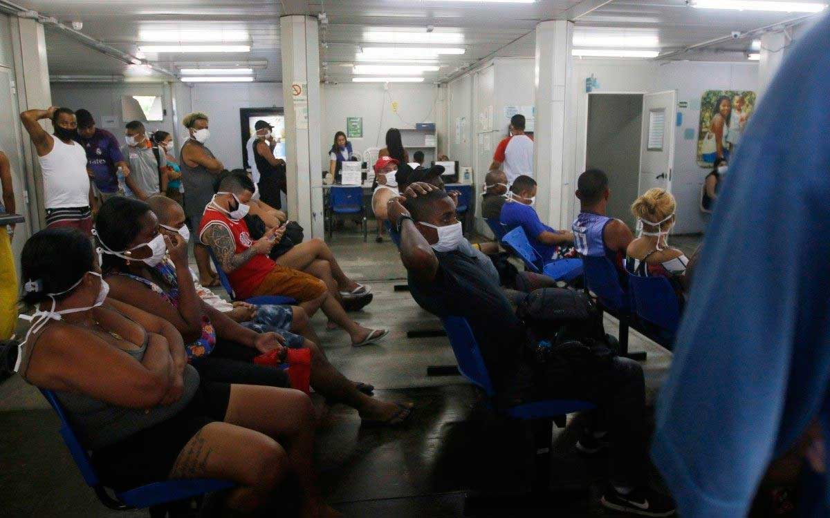 UPA da Penha tem sala de espera lotada