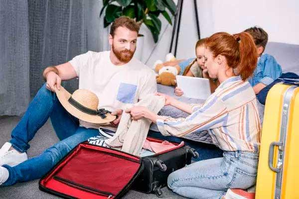 A maneira como a mulher age com o companheiro ou vice-versa é fruto da base familiar