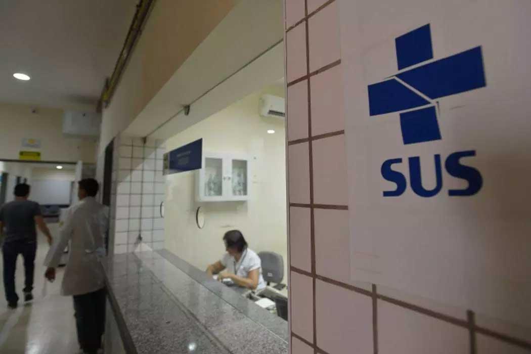 A suspensão de cirurgias eletivas não essenciais ocorrerá nas redes pública e privada contratada e conveniada com o SUS  Foto: Marcello Casal Jr/Agência Brasil