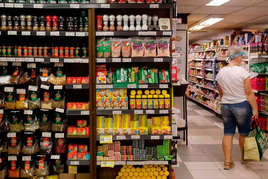 Supermercado é considerado serviço essencial  Foto: Tânia Rêgo/Agência Brasil