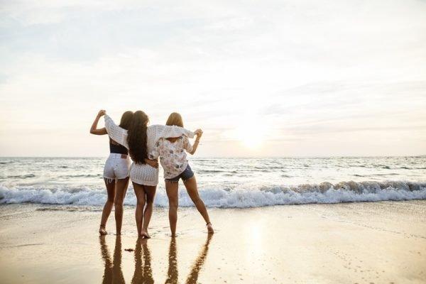 amigas na praia