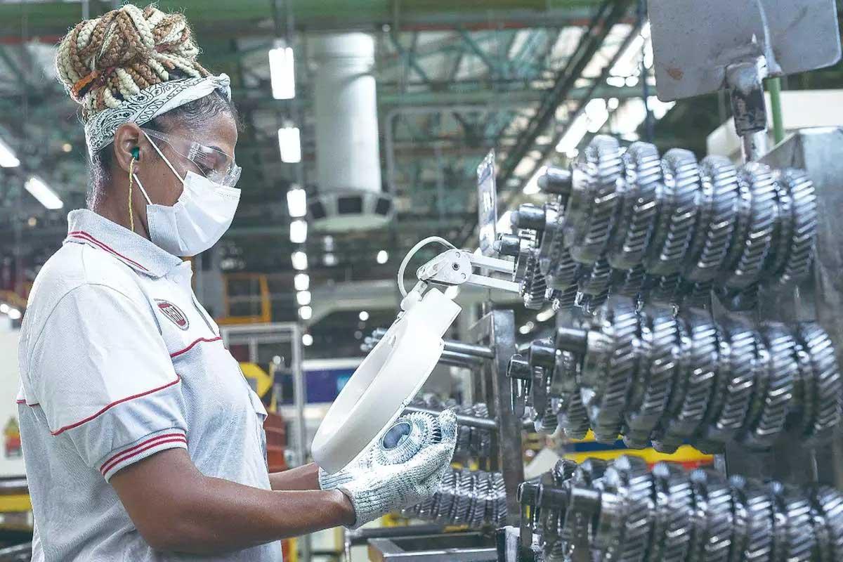 Férias coletivas na Fiat, em Betim, atingirão cerca de 1,9 mil funcionários  Foto: Léo Lara / Studio Cerri/ Fiat Divulgação