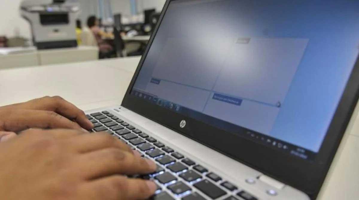 Grupo de hackers invadiu uma reunião da comissão da mulher advogada da OAB de Santos (SP) Agência Brasil