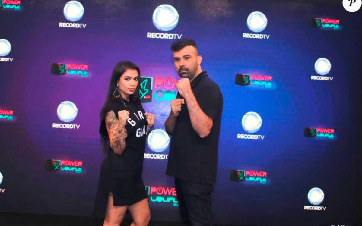 MC Marcelly e Frank Cavalcante Reprodução Record TV POR O DIA