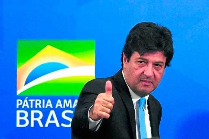 Mandetta: recomendação de aliados para não politizar o debate na CPI e detalhamento do livro no qual relatou as batalhas contra o Planalto - (crédito: ED ALVES)