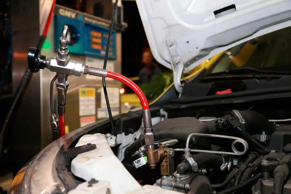 O gás natural também tem sido alvo do crime organizado, que usa postos de combustíveis para fraudar ou para a lavagem de dinheiro Daniel Castelo Branco