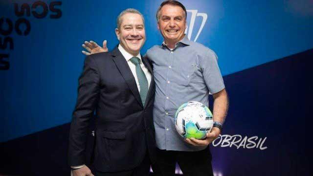 Bolsonaro e o presidente da CBF, Rogério Caboclo Foto: Divulgação
