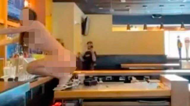 Nua, mulher destrói restaurante na Flórida Foto: Reprodução/Ocala Police Dept