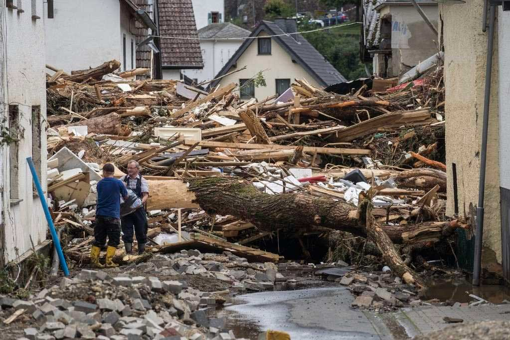 Dezenas de edifícios foram destruídos após temporal na Alemanha que vitimou mais de 90 pessoas Foto Foto: BERND LAUTER / AFP