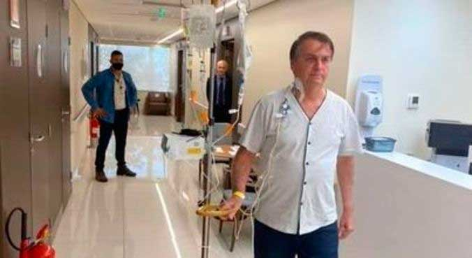 Bolsonaro durante caminhada em corredor do hospital na tarde desta sexta-feira (16) REPRODUÇÃO/FACEBOOK