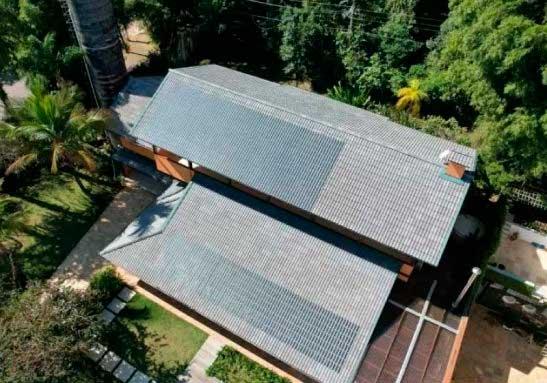 Fábrica lança a primeira telha de concreto brasileira que gera energia solar - Foto: divulgação