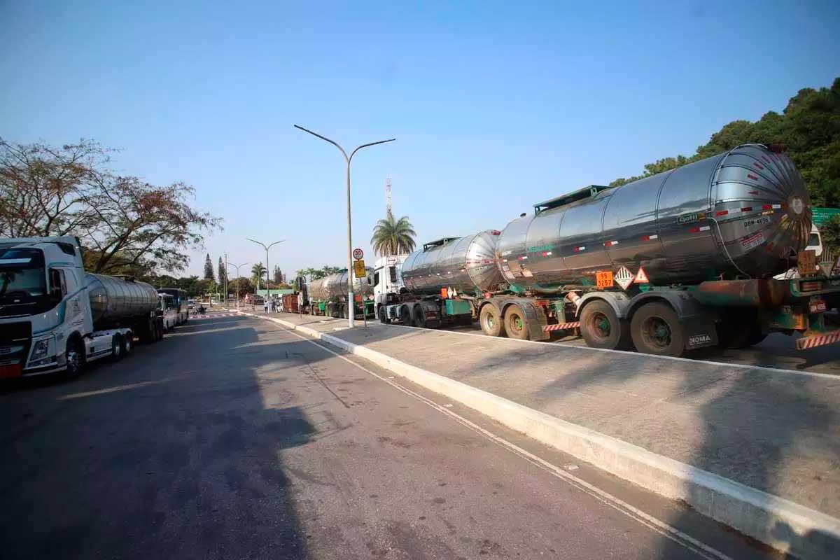 Greve dos tanqueiros em Minas chega ao fim após 24 horas Foto Foto: Alex de Jesus/O TEMPO