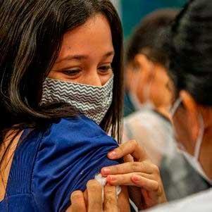 Vacinação avança no país DIVULGAÇÃO/PREFEITURA DE RECIFE
