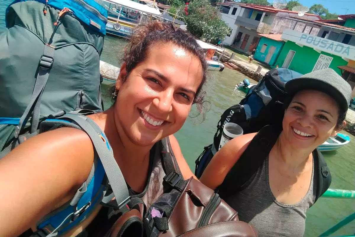 Bruna Rigo, à esquerda, e Fabiola Nolasco, que praticou os golpes contra a ex-namorada, à direita Foto Foto: Acervo Pessoal / Cedido a O TEMPO