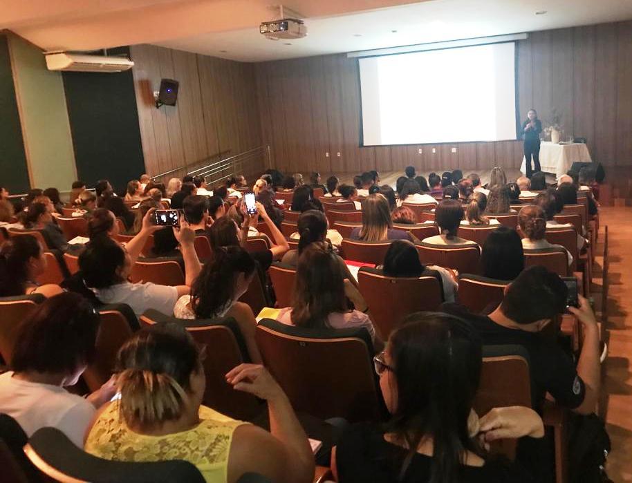 A abertura do 1º Seminário foi feita pela secretária de saúde, Érica Dias. (Foto: divulgação)