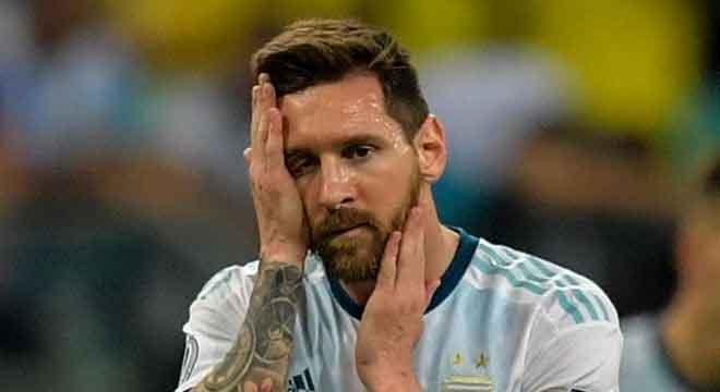 A revolta de Messi com a arbitragem. E uma certeza estará na Copa América de 2020 Reprodução/Twitter Belo Horizonte,