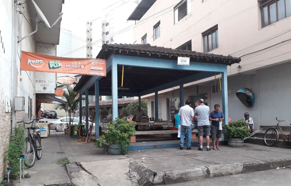 Praça-do-Bom-Retiro-em-frente-a-avenida-Fernando-de-Noronha