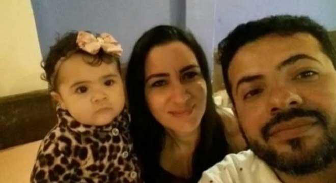 Criança morreu na frente dos pais após receber injeção no Guarujá Reprodução/ Record TV
