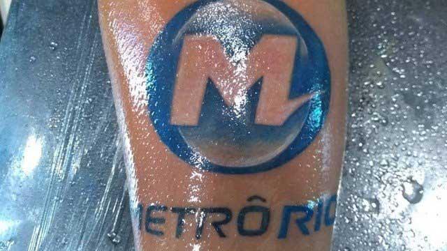 https://extra.globo.com/noticias/page-not-found/homem-tatua-logo-do-metrorio-no-braco-23630131.html
