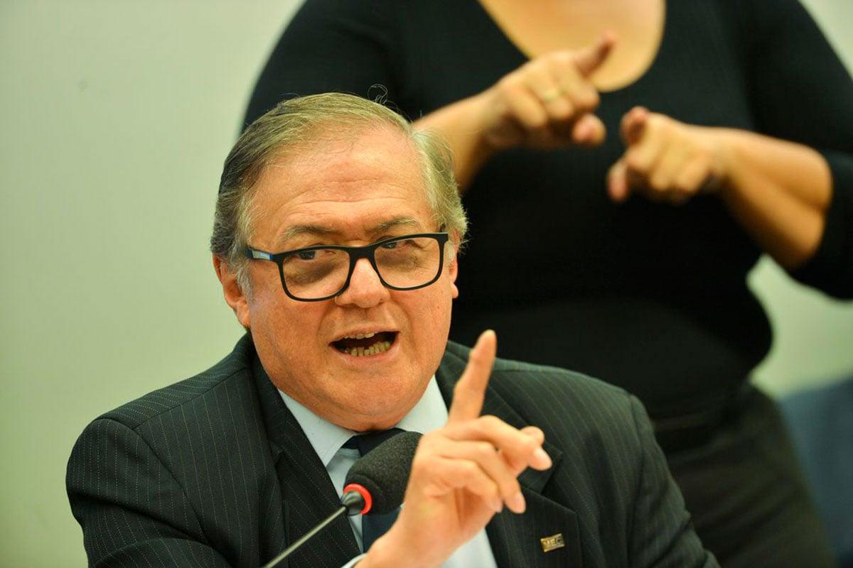 Ministro da Educação Vélez