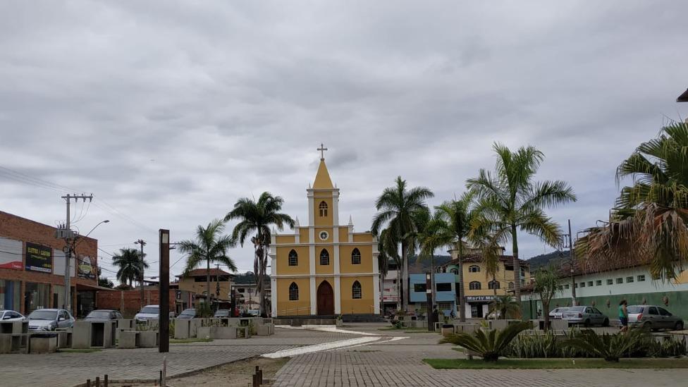 igreja em santana do paraíso