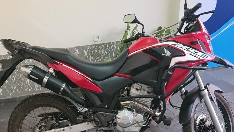 Multa por falta de cinto de segurança em uma moto? -  Foto: divulgação