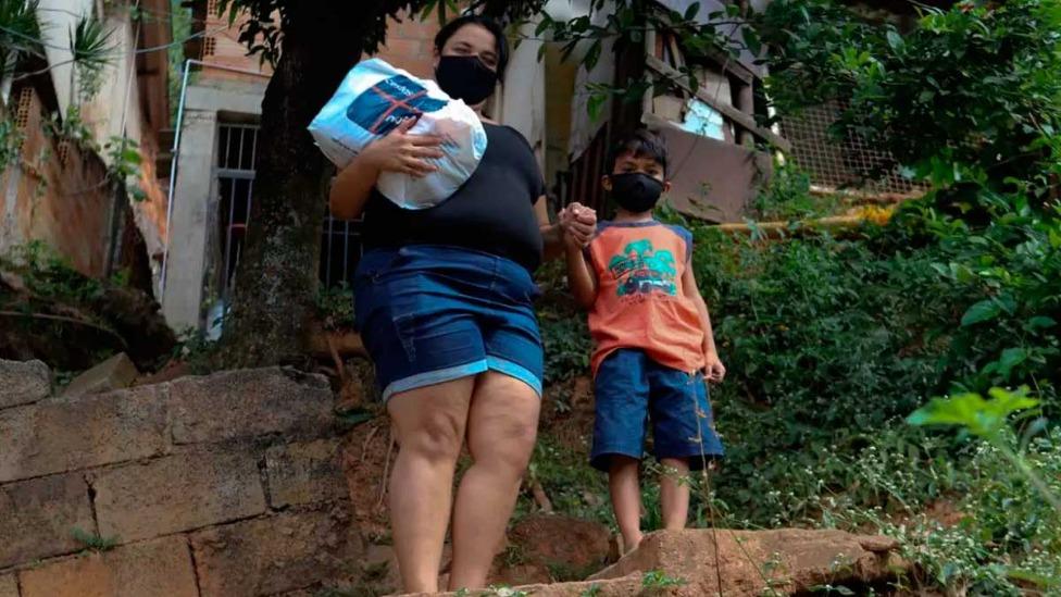 Mães carentes vão receber cestas básicas da Cufa neste fim de semana  Foto: Alex de Jesus