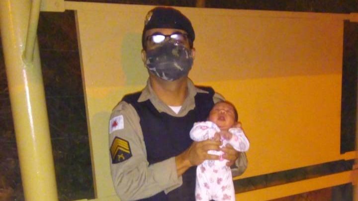 Policiais salvam recém-nascida em Minas Gerais