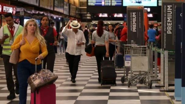 Portaria restringe entrada de estrangeiros no Brasil