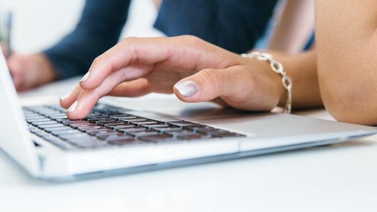Seminários virtuais incentivam participação de empreendedores em licitações do Estado