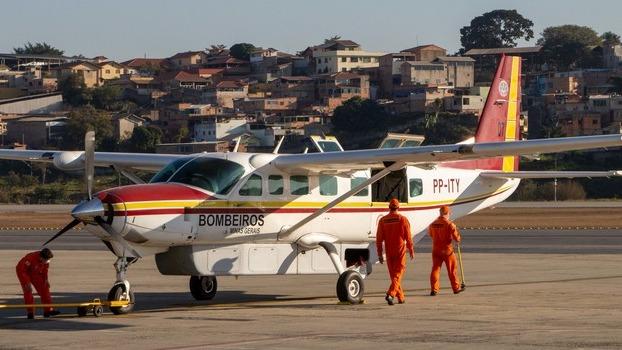 avião bombeiros