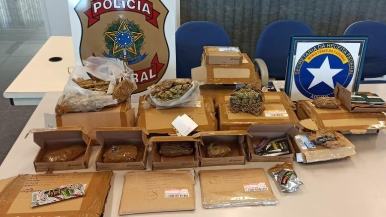 Polícia Federal prende dupla suspeita de vender drogas pelos Correios