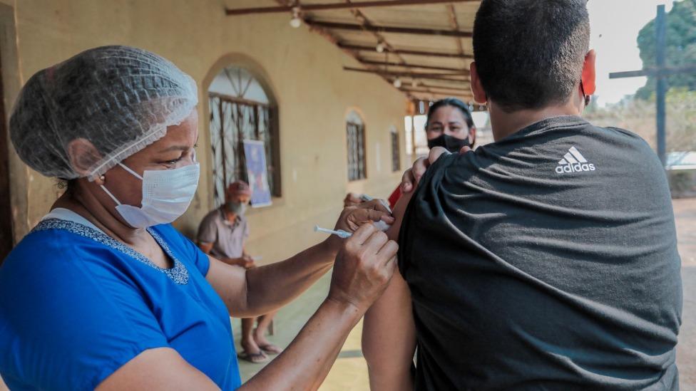 Moradores do bairro São Francisco e adjacências puderam atualizar caderneta de vacinação
