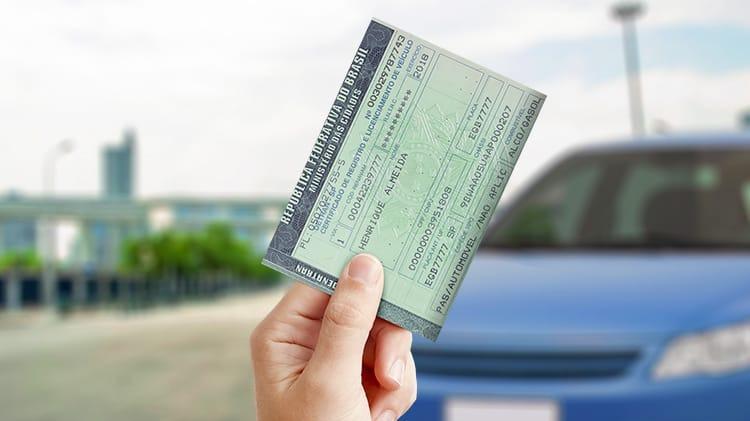 Dívidas de IPVA e taxas estaduais podem ser pagas com desconto de até 100% em juros e multas