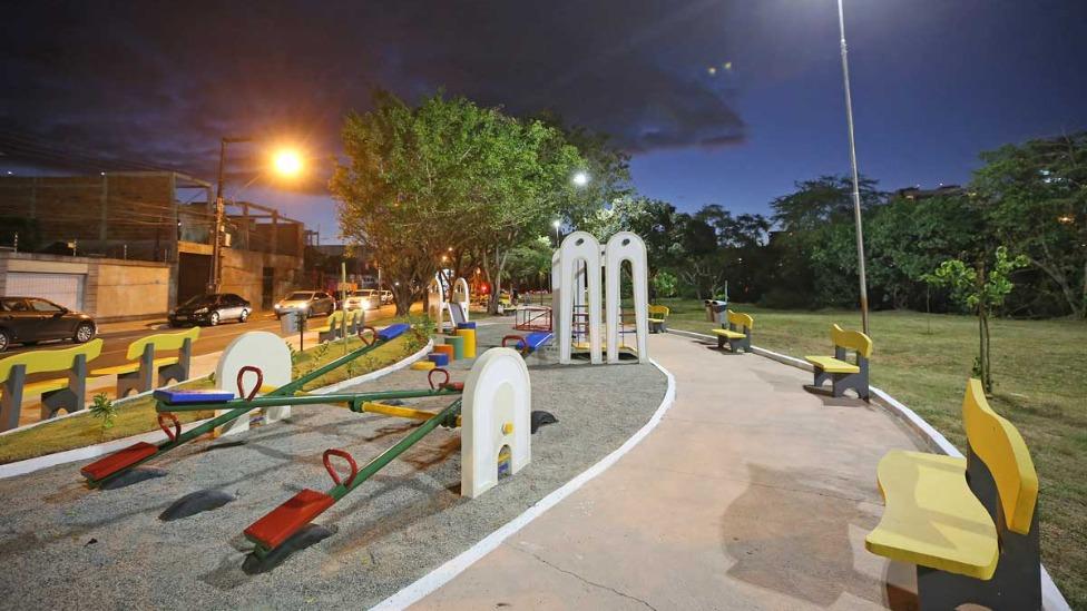 Aracaju entrega infraestrutura de loteamento e urbanização de praça no bairro Jardins