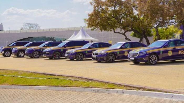PRF recebe sete carros de luxo apreendidos de traficantes em Brasília