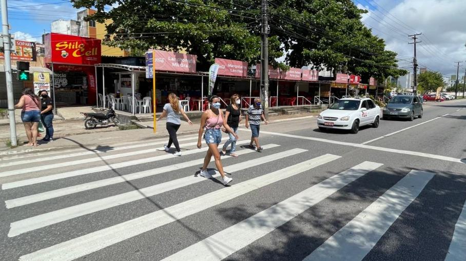 Semob-JP promove ações educativas sobre compartilhamento de espaços e uso da faixa de pedestre