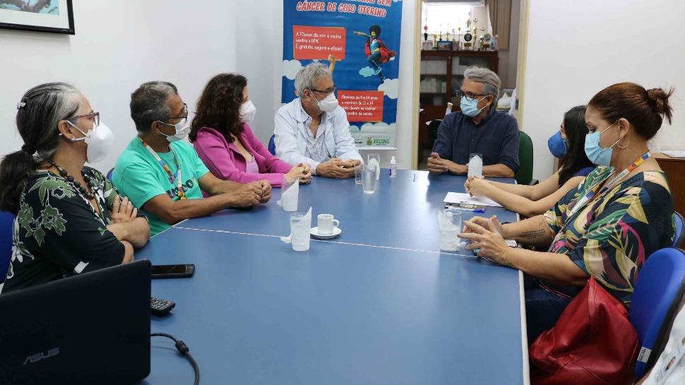 FCecon e Semed debatem vacinação contra o HPV nas escolas de Manaus