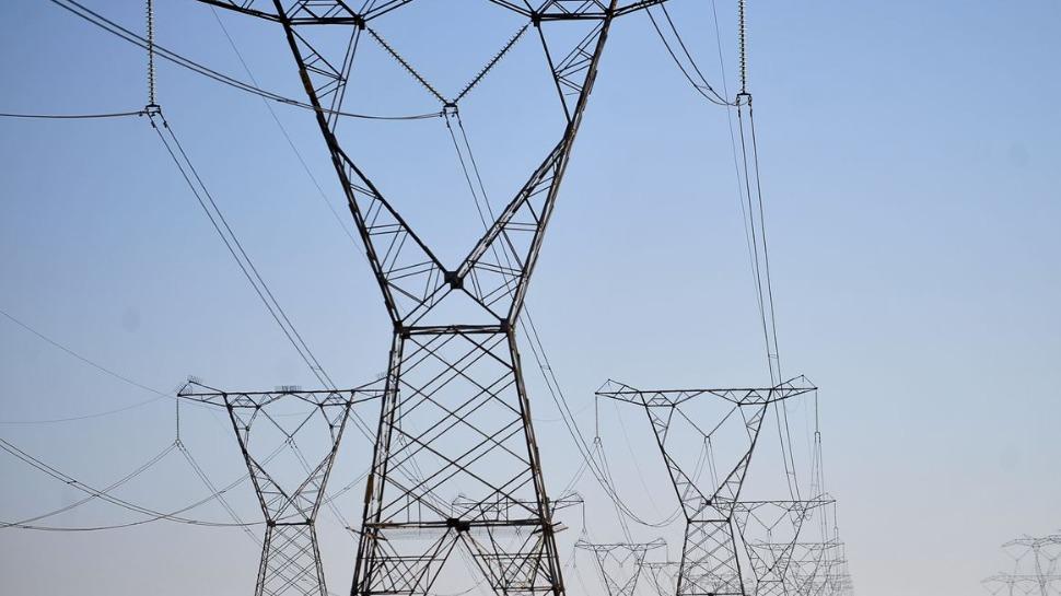 Presidente edita decreto para estudos para expandir sistema energético