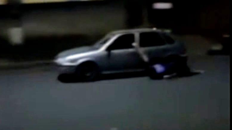 Vídeo: homem é arrastado por carro durante discussão em Goiás