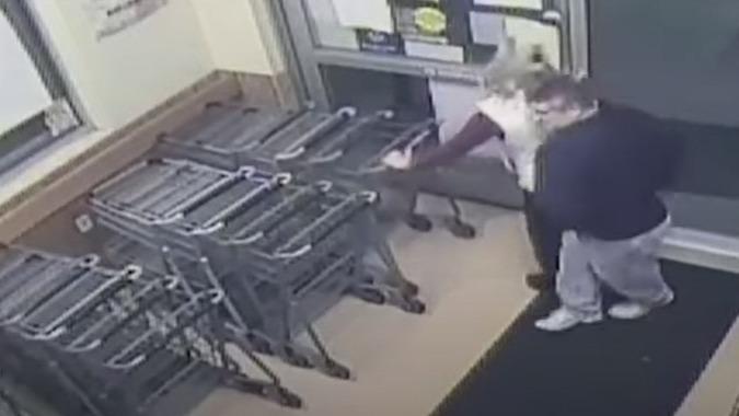 Homem é condenado por injetar sêmen em mulher nos EUA; veja o vídeo