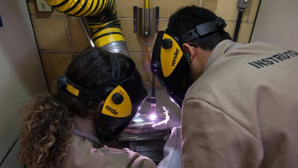 Instituto do Inox abre vagas para curso de soldagem TIG para público feminino