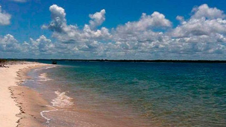 Praia de Jaguaripe, na Bahia REPRODUÇÃO/INSTAGRAM