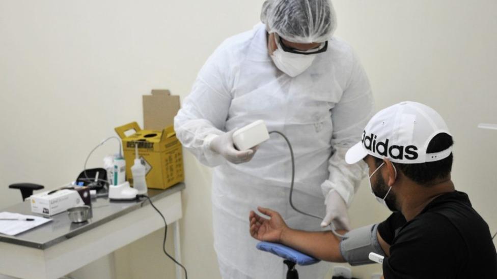 Procura por atendimento a síndromes gripais registra queda em Maceió