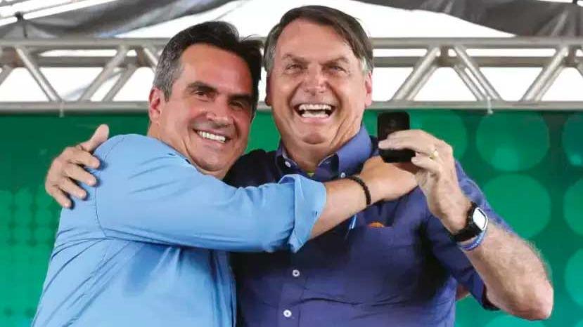 Ciro Nogueira e o presidente Bolsonaro, em cerimônia oficial Foto Foto: Isac Nóbrega/PR