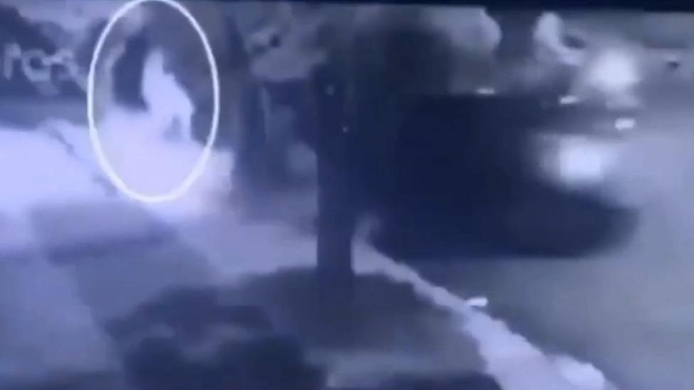 Vídeo mostra mulher atropelando namorado em São Paulo