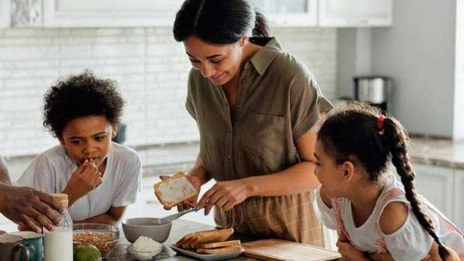 Piso salarial deve suprir necessidades básicas das famílias, entre elas, alimentação REPRODUÇÃO/PEXELS