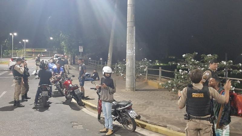 """""""Rolezinho do grau"""" termina com 9 motocicletas apreendidas e um indivíduo preso em Governador Valadares"""