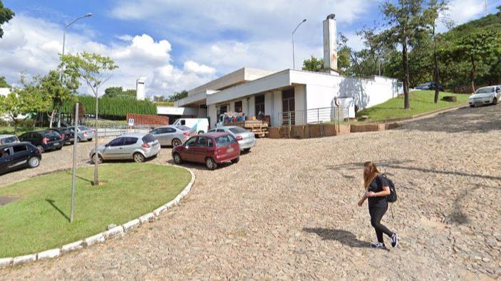 UFMG retomará aulas presenciais, mas sem obrigação de vacinação contra covid