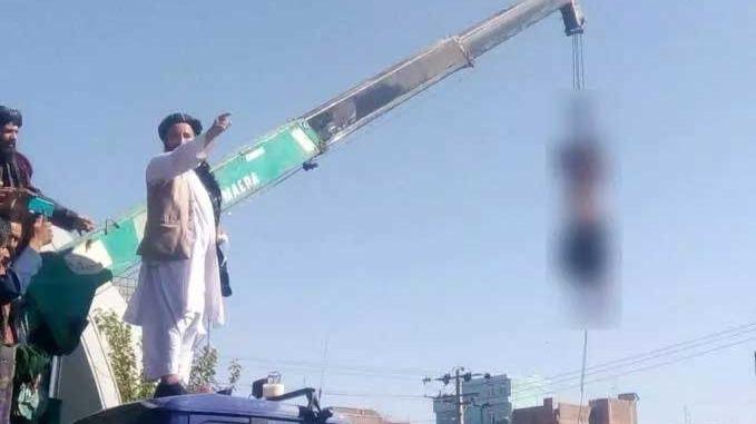 orpos de supostos sequestradores foram expostos publicamente pelo Taleban Foto Foto: Reprodução/Twitter
